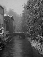 nel lontano 2009 (formicacreativa) Tags: riva fiume bn ponte e bianco borgo nero treviso veneto castelfranco avenale