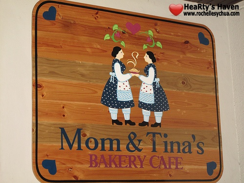 mom and tinas bakery cafe
