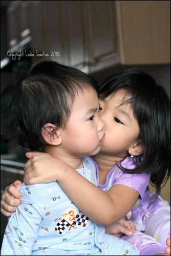 Sibling Kiss2