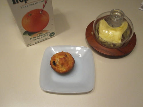 Muffin and orange juice