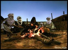 Tea, Everyone ! (Bashar Shglila) Tags: light moon sahara night stars fire desert tea drinking libya tuareg in libyen lbia libi libiya liviya libija      lbija  lby libja lbya liiba livi   mygearandmepremium mygearandmebronze