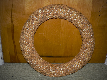 almond nut wreath finished