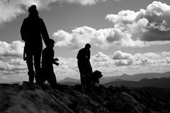 Perfiles en la cima del Ireber (Iñigo Antón Aguinaga) Tags: mountain sport trekking canon eos d retrato portait iñigo deporte monte 20 montaña senderismo jovenes navarra aguinaga nafarroa antón ireber ernaitzu