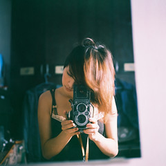 (Fabienne Lin) Tags: camera portrait people selfportrait 120 tlr film female rolleiflex mirror femme squareformat expired fabienne selfie konicacenturia100 flickrestrellas