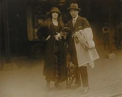 Rudolph Valentino, Natacha Rambova and two dogs c.1922-1923 (bunky's pickle) Tags: 1920s dogs fashion smoking foundphotographs valentinorudolph18951926 motionpictureactorsandactresses rambovanatacha