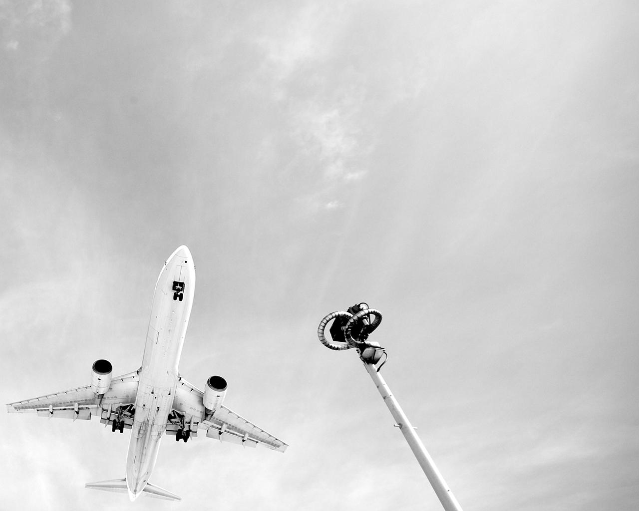 2010p_airplane1280x1024