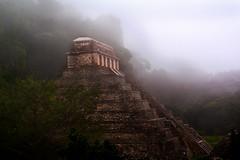Palenque (La piramide de las inscripciones/tumba de Pakal) (DrCarlosAMG) Tags: fog mexico los day maya palenque chiapas arqueologica mundomaya drcamg carlosalbertomartinezgonzalez drcamgcamg drcamg2010 mayaszona palenqueruta
