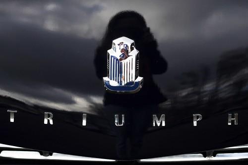 Triumph - logo avant
