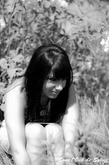 Elle (Sous l'Oeil de Sylvie) Tags: she summer portrait blackandwhite nature girl women noiretblanc pentax bokeh femme elle 50mm14 her stgeorges teen audrey été fille beauce youngwomen modèle k7 jeunefemme sessionportrait parcveilleux sousloeildesylvie audreygosselin