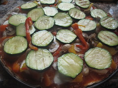 Grilled courgettes on pizza