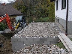 Voll gefllt (rudi_valtiner) Tags: constructionarea baustelle digger bagger schotter flatz