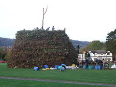 Building Brockham Bonfire