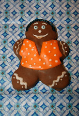 Winter Themed (alicakescupcakery) Tags: boy orange brown ginger gingerbread alicakes alicakescupcakery wintercookie