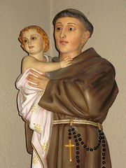 Litany of Saint Anthony (Loci Lenar) Tags: new news art saint statue photography interestingness interesting catholic rss faith saints blogs christian photoblog catholicchurch bloglines rosarybeads stanthony patronsaint saintanthony christianart infantjesus litanyofsaintanthony