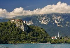 El Castillo de Bled. Eslovenia. (FJcuenca) Tags: lake castle lago slovenia bled slovenija graz castillo eslovenia ohhh digitalcameraclub superaplus aplusphoto canoneos40d estremit fjcuenca tamron18270