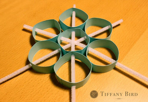 piping snowflake trims
