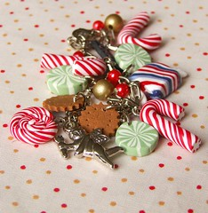 christmas candy charm bracelet (pokkuru.) Tags: christmas food cute season ginger miniature cookie candy sweet gingerbread jewelry charm fimo clay bracelet liquid peppermint polymer pokkuru decoden