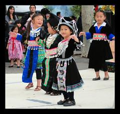 long beach hmong new year 2009 (57) (dan stefani) Tags: food fun zoo colorful pretty newyear her longbeach yang lee tradition 2009 hmong vang moua hmoob nyob danstefani tshab