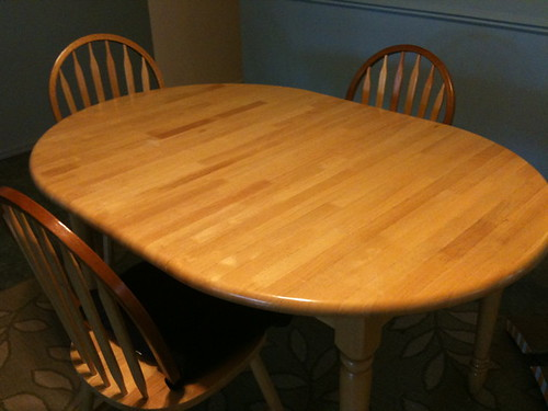 Dining table with extender (4 chairs)