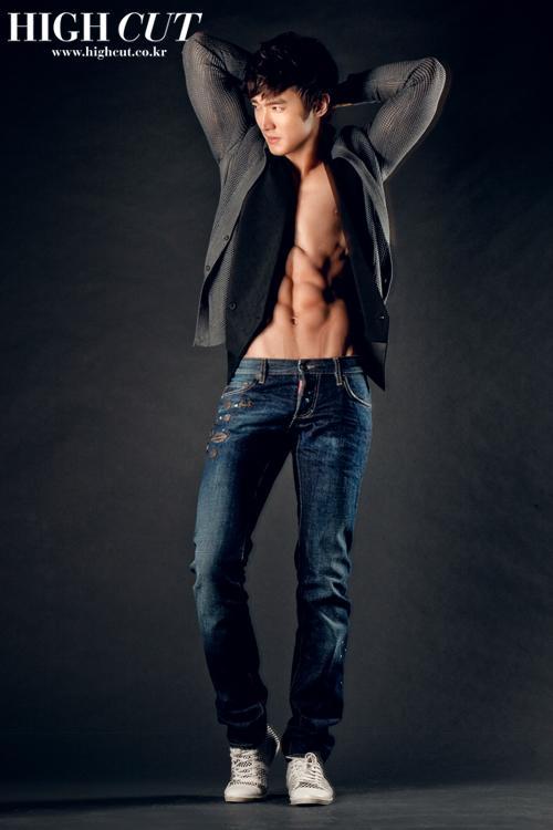 Fotos de Siwon para High Cut! 4451936258_a05d54275f_o