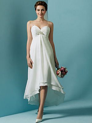 Simple wedding dresses of chiffon with a stylish A-line