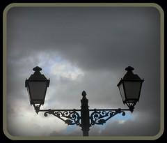 SE FASTIDIO LA TARDE... (Aymara_de_italica) Tags: espaa lluvia sevilla spain nikon farola andalucia cielo nubes temporal tiempo clima italica santiponce aymara