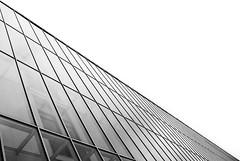 (Ane.Idp 2) Tags: light blackandwhite espaa blancoynegro blanco luz lines architecture photography spain arquitectura geometry negro shapes bilbao formas bizkaia vizcaya ane fotografa lneas idp geometra aneidp