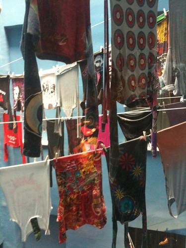 <span>madrid</span>Desigual store<br><br>Vestiti appesi a fili del bucato<p class='tag'>tag:<br/>luoghi | viaggio | madrid | design | </p>