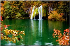 Plitvicke Waterfalls (gezimania) Tags: autumn nationalpark lakes croatia waterfalls hrvatska plitvice dalmatia sonbahar elale hrvatistan plitvickejazera plitvicemillipark