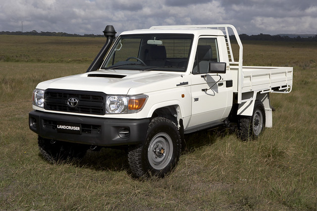 cars offroad toyota bugger lcv hilux hiace lc70