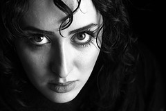 (HORIZON) Tags: portrait people blackandwhite bw woman face portraits persian women photographer faces iran horizon naturallight persia portraiture handheld 5d iranian naturalight blancinegre theface sidelight blancetnoir unaltraperlanera anotherblackpearl peoplpix exposuretime1100 focallenght105 fnumber63 canon24105mmlisusmlens canoneos5dmarkll incominglightfromwindow takeninisfahan