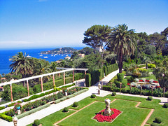 304.21.06 Villa Ephrussi-de-Rothschild le jardin vu du balcon (alainmichot93) Tags: france 06 alpesmaritimes saintjeancapferrat villaephrussiderothschild provencealpesctedazur