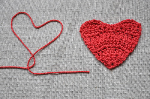 Crochet Tutorial Heart : ... heart tutorial part 1 a flat heart needed 1 crochet hook and