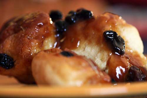closeup rosemary-raisin monkey bread