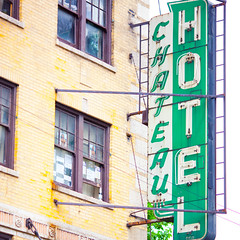 Chateau Hotel (Thomas Hawk) Tags: chicago hotel illinois neon chitown cookcounty chicagoland windycity hotelchateau chateauhotel