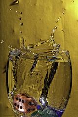 Waterfun (Thomaniac) Tags: light dice macro reflection fall water glass closeup licht frozen movement colorful wasser dive vivid drop refraction bewegung transparent splash wrfel bunt nahaufnahme highspeed tropfen spritzer sturz eingefroren efs60mmmacro eintauchen canoneos450d thomaniac