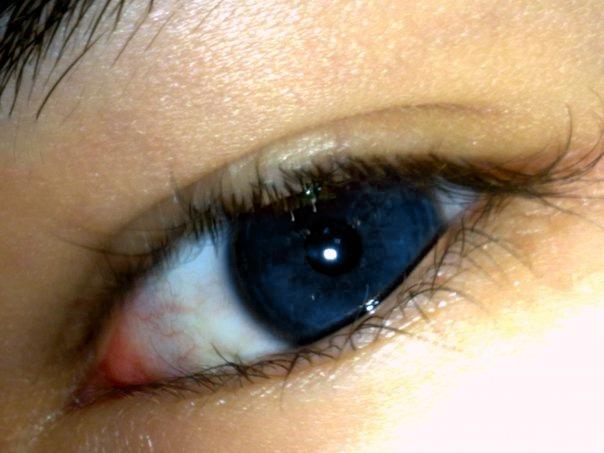 Göz rengi değiştirmek ...