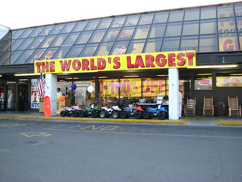Worlds Largest Junky Store by paynehollow