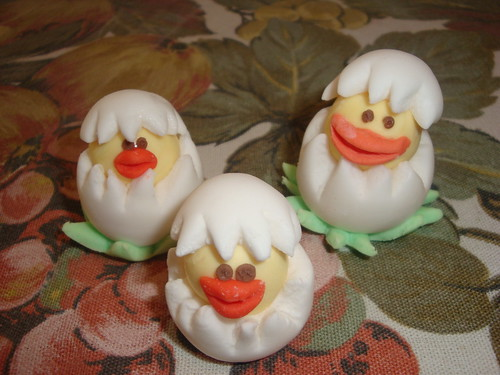 Fondant Easter Chickens