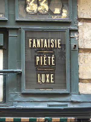 fantaisie, piété et luxe.jpg