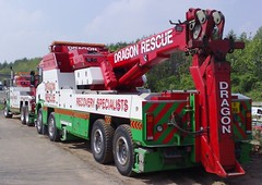 Dragon Rescue Scania (JAMES2039) Tags: rescue truck dragon roadworks cardiff heavy tow towtruck recovery scania kenworth wrecker rotator 6wheeler t800 kenwoth 8wheeler heavyrecovery underlift heavyunderlift dr06gon y1dra