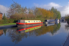 Autumn reflections in the Coventry Canal (GVG Imaging) Tags: waterreflections narrowboats coventrycanal 18200vr d80