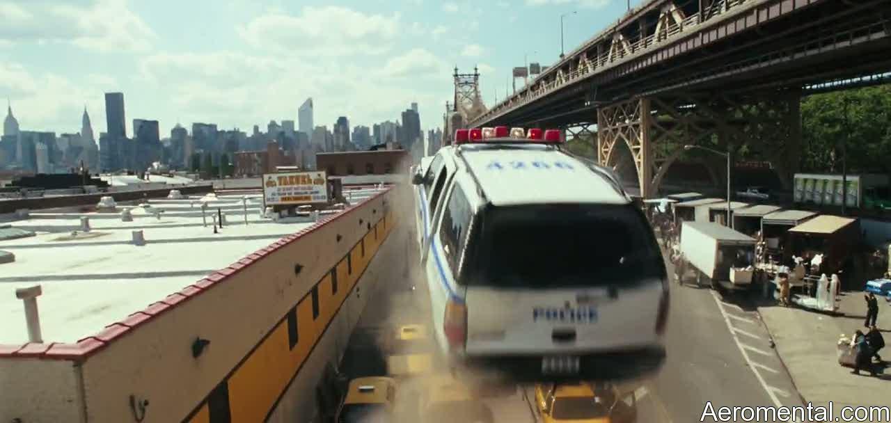 policía cae contra taxis Salt