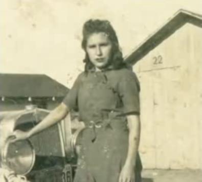 a young Jessie de la Cruz