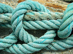 Knotted up............. (ubichan - Away A LOT :o() Tags: portugal geotagged turquoise sony rope knot knots aveiro sojacinto riadeaveiro sonydsch9 ilustrarportugal boatrope ubichan mygearandme geo:lat=40662248 geo:lon=872749