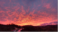Sunset (Rui Nuns) Tags: sunset sky portugal nature clouds cu prdosol nuvens pds fujifilms6500 platinumheartaward ilustrarportugal srieouro ruinunes