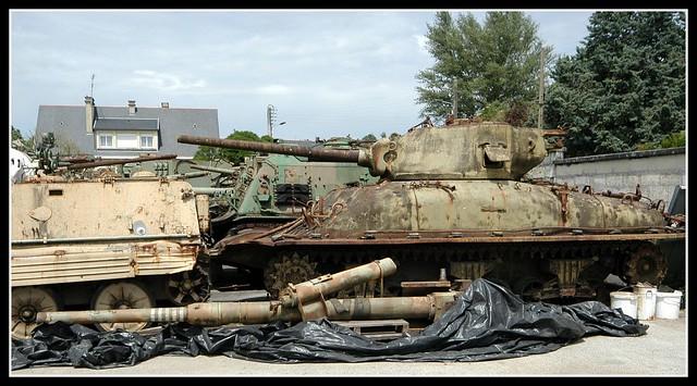Saumur Tank Museum Sherman DD(4)