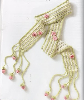 crocheted_scarves_on_the_go_2_fc_005