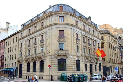 Edificio del Banco de España, en la confluencia de la Avenida de San Ignacio y el Paseo de Sarasate.