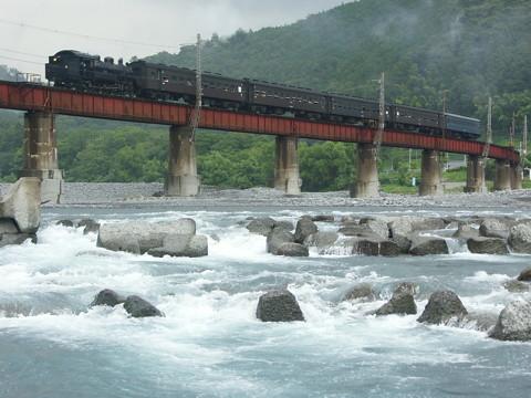大井川鉄道のSLでまた連結器が外れる事故